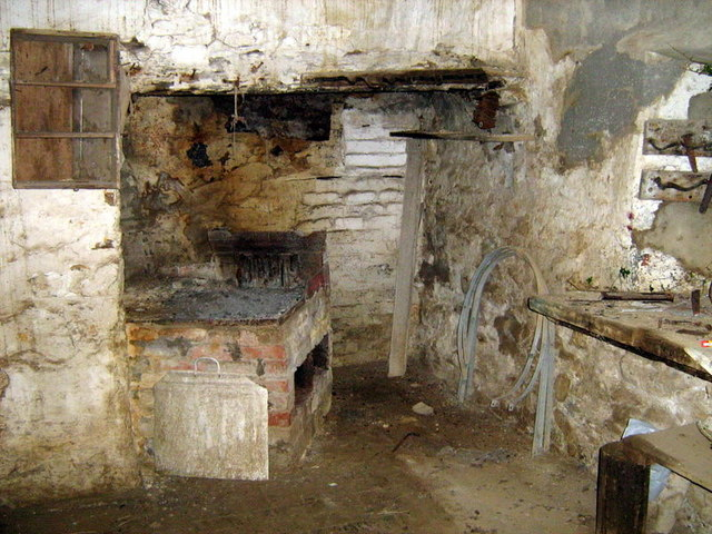 Fireplace, Castell Corwynt