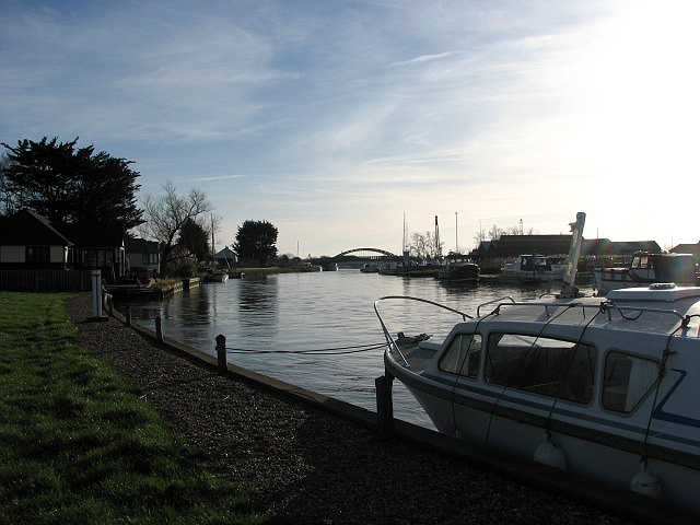 View towards St Olaves Bridge from footpath