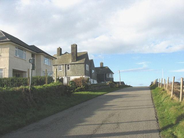 Houses alongside the old Porthdinllaen turnpike