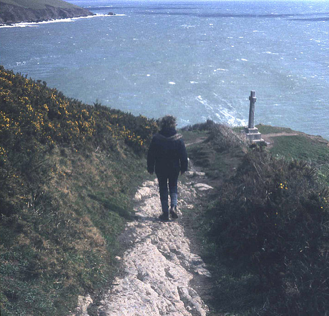 Coast path to the war memorial