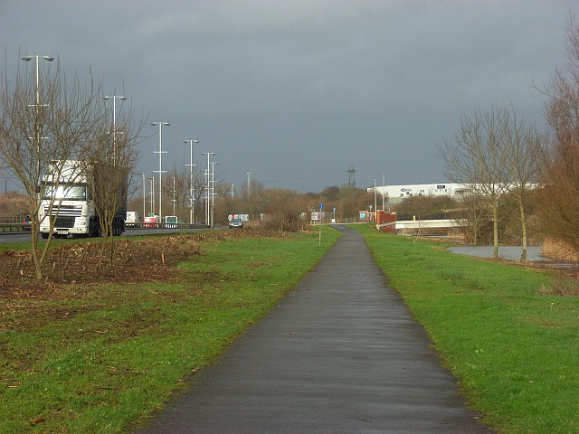 Cycle track south of  Reading