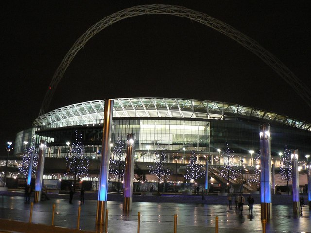 Wembley: the stadium by night