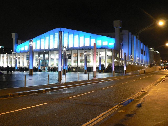 Wembley Arena: floodlit in blue
