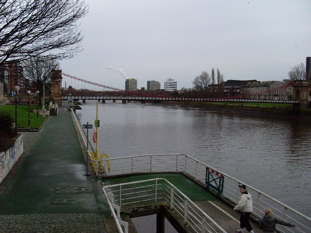 River Clyde at Glasgow city centre, facing east