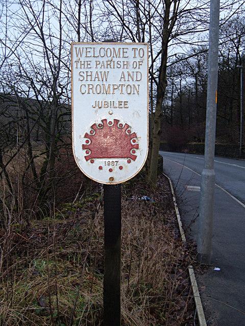 Shaw and Crompton Parish Boundary Plaque (4)