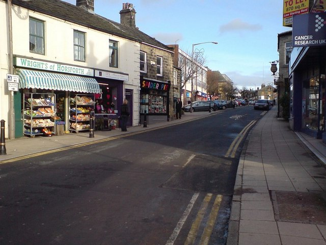 Spider Pie and other shops, Town Street, Horsforth