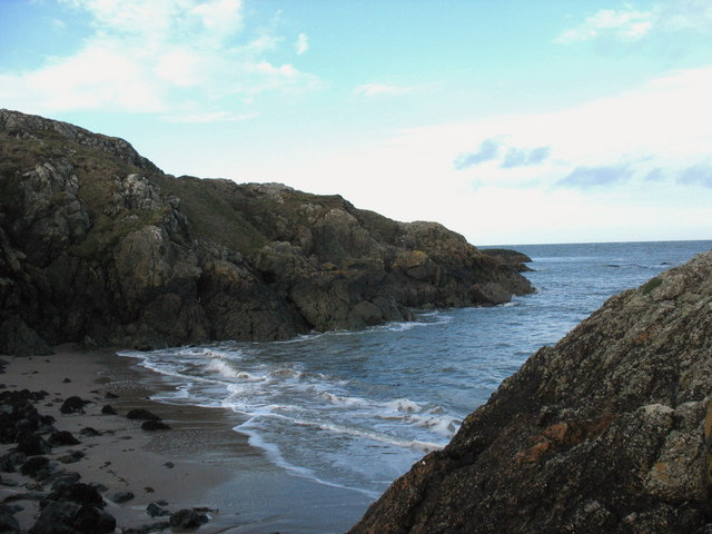 View across to the NE corner of Trwyn Porthdinllaen