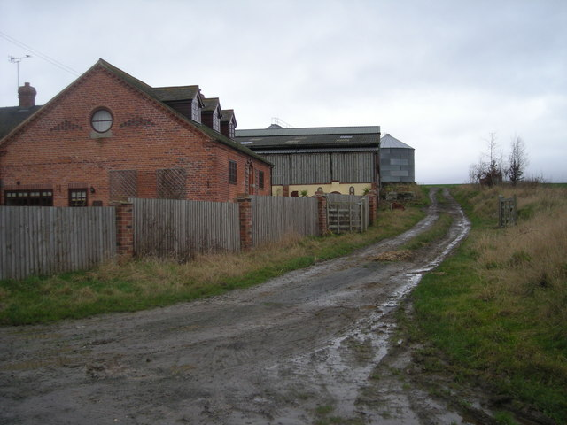 Path passing Alcaston Barns