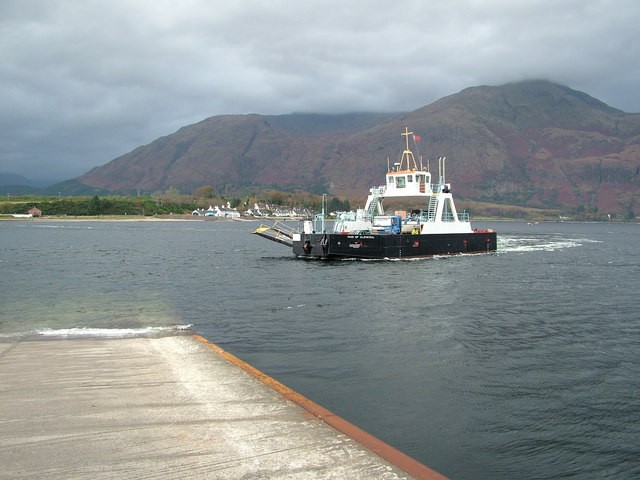 Corran ferry inbound to the Eastern shore