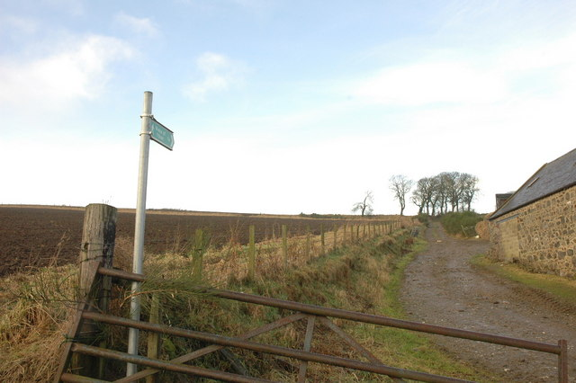 Public footpath to Wells Of Ythan