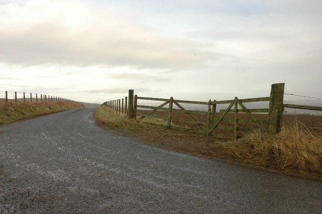 Minor road near Slackend