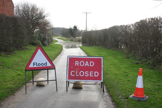Tinkers Lane Closed