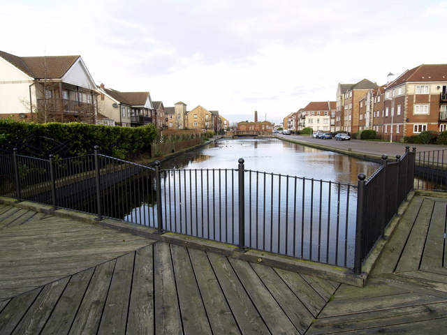Victoria Dock Estate Pond