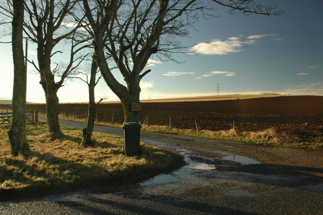 Farm entrance to Hill of Wells