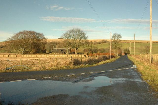Road junction near Goosehillock