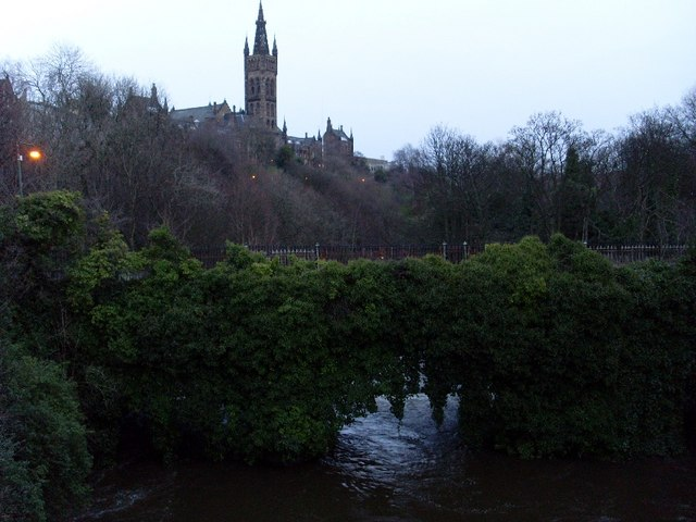 River Kelvin passes Glasgow University Old Building
