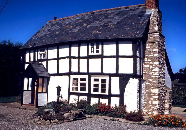 Black and white cottage in Shobdon