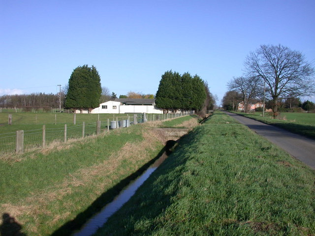 Ditch and bridge beside Long Drove