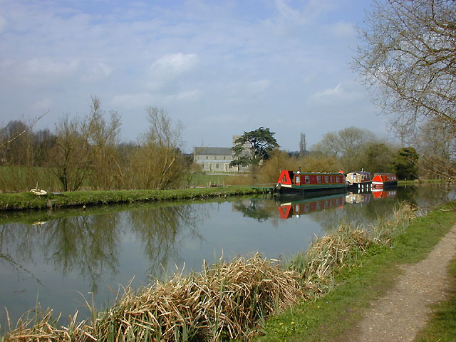 The Kennet & Avon canal near Great Bedwyn