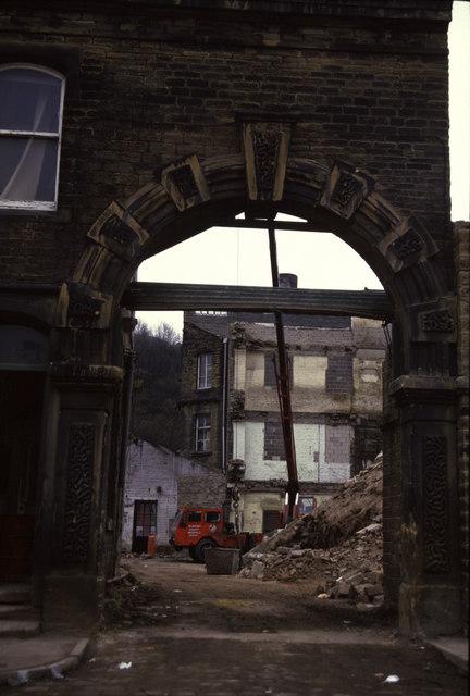 Broadfield Mills demolition, Lockwood