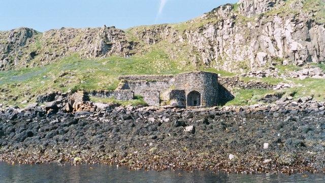 Lime kiln on the Isle of Mingay