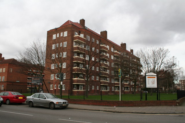 The very large Frampton Park Estate, of which the above shows only one house
