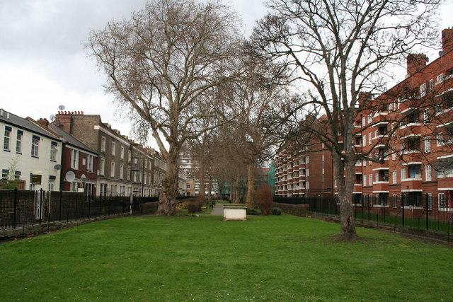 St. Thomas' Burial  Ground,  Well Street, Hackney