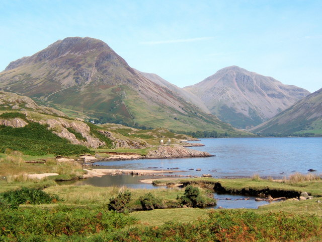 Wastwater shore at Countess Beck, looking to Yewbarrow and Great Gable