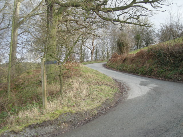 Lane to the east of 'The Lawley'