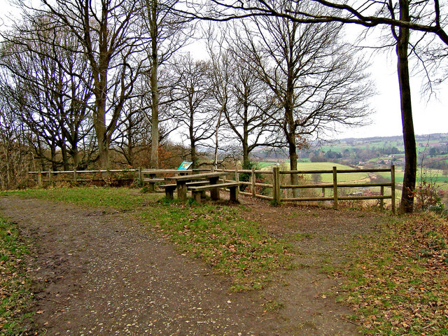 Seckley Viewpoint & picnic tables, Seckley Wood