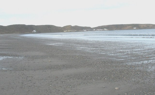 View westwards along the beach at Porth Dinllaen bay