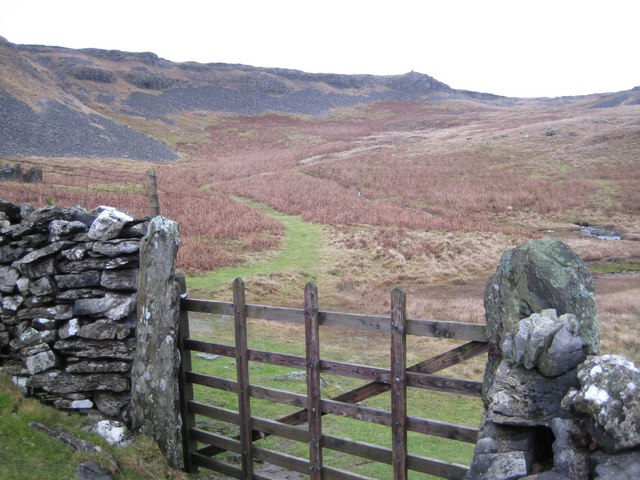 Footpath leading up to Moughton Scars