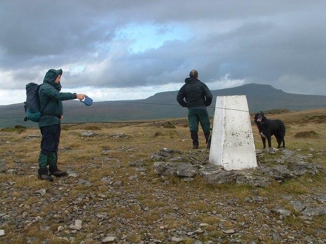 Triangulation Pillar (427m) above Crummack Dale