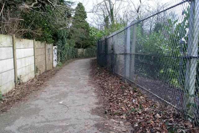Footpath to Beeston, Bramcote