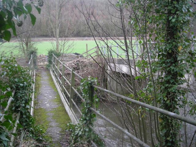 Footbridge on 'Three Woods Walk'