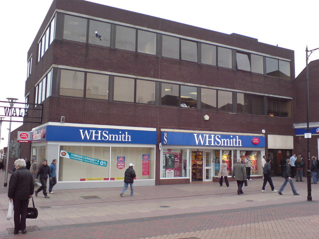 Gillingham Post Office, WH Smith