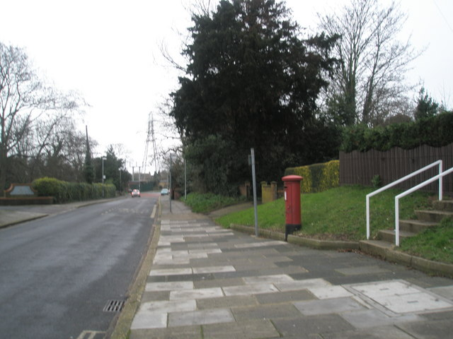 Looking westwards down Medina Road
