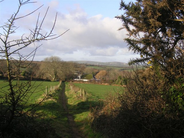 Footpath to Tredavoe