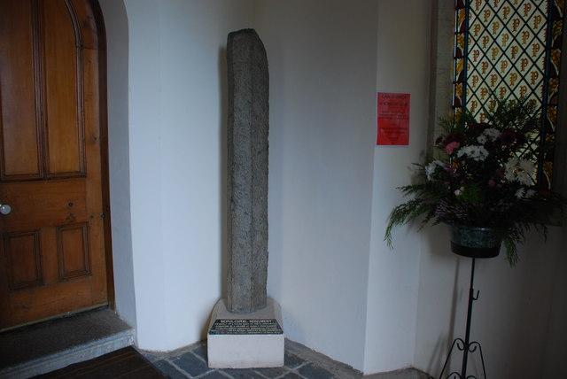 Cofadail Feddrodol - Sepulchral Monument