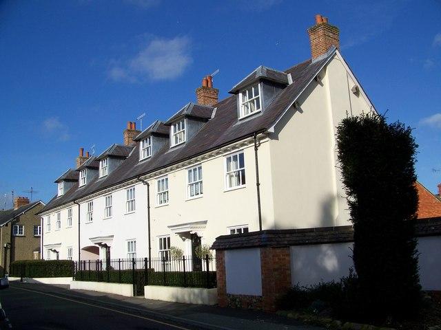 Russell Terrace, Wilton