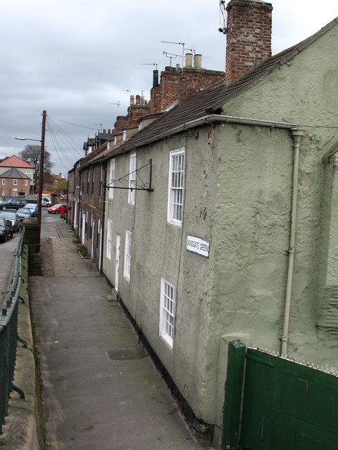 Cottages on Bondgate Green