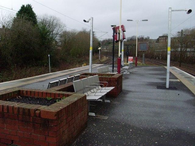 Seats at Hyndland station