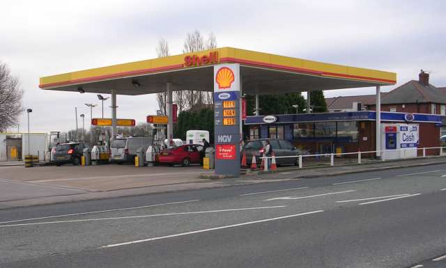 Shell Filling Station - Bruntcliffe Road