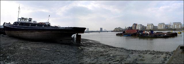 Tug 'Swiftstone' and Greenwich Reach
