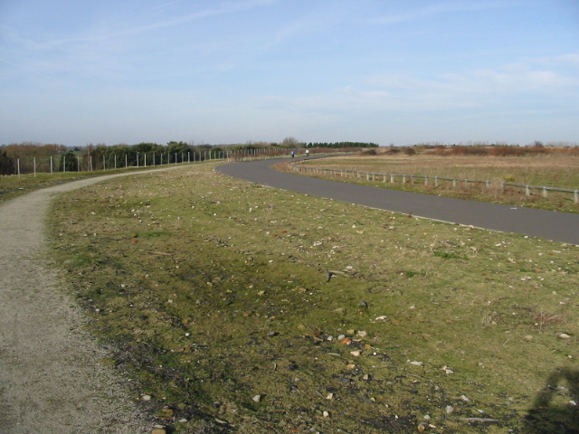 Footpath and cycle way at Fowlmead Park