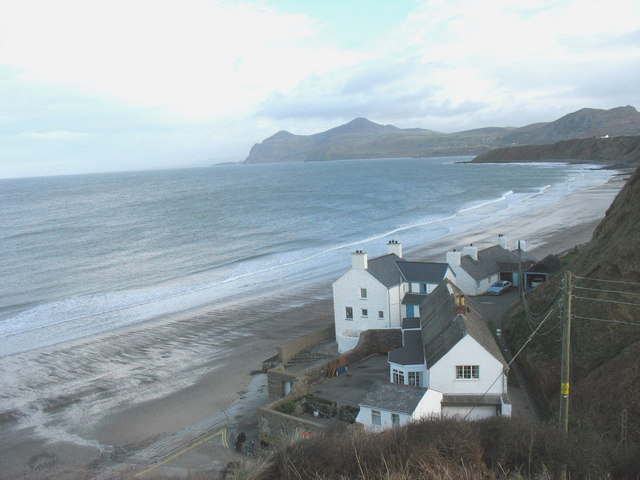 Houses on the edge of Porthdinllaen Bay