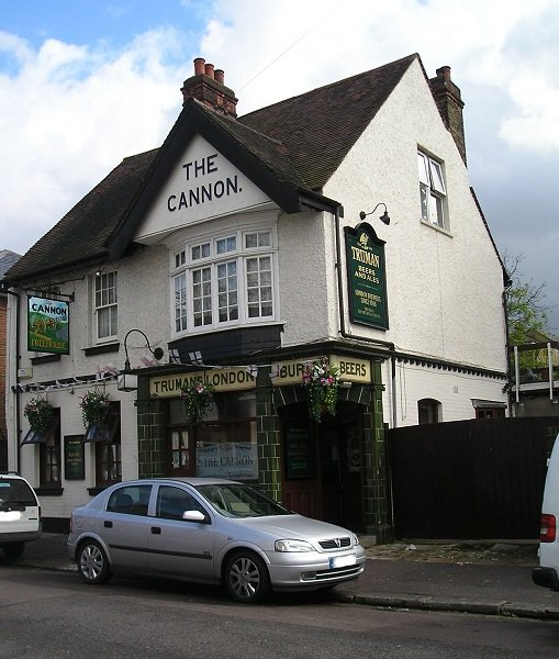 The Cannon pub, Old Brompton