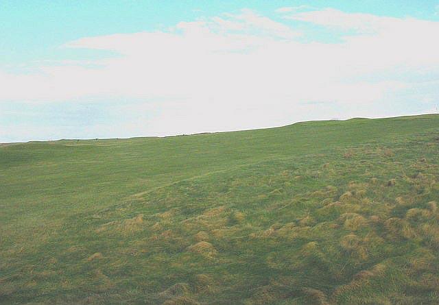 Golf links north of Afon Geirch
