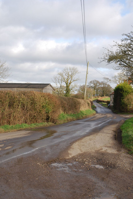 Road towards Okeford Fitzpaine