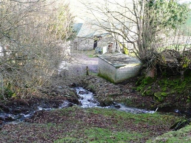 Descent towards Cwm Crickadarn